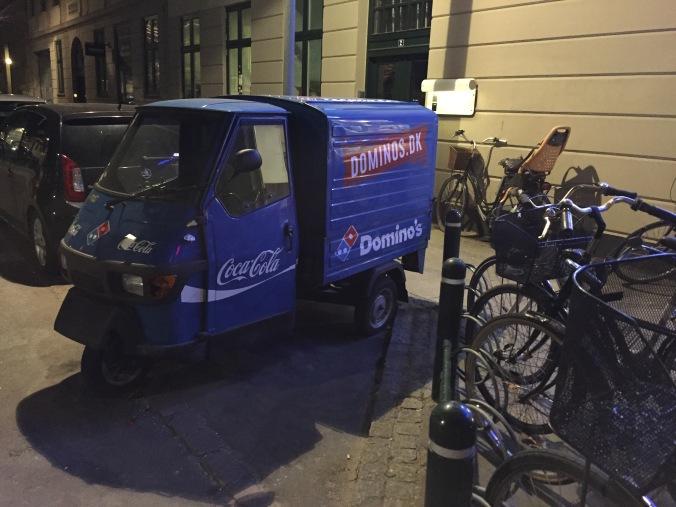 Domino's food truck